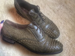 Продаю нове стильне взуття