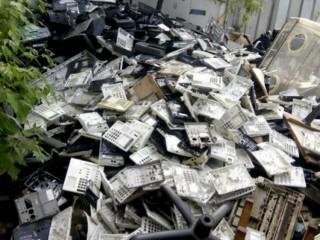 Закупаем отходы пластмассы, пэт бутылки, пленки.