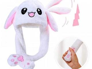 Тёплые шапки-игрушки с двигающимися ушами и светящиеся