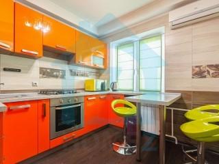 Продается 2 к. квартира с евроремонтом на Антоновича 99